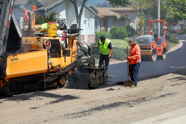 construction workers exposed to asphalt fumes at work