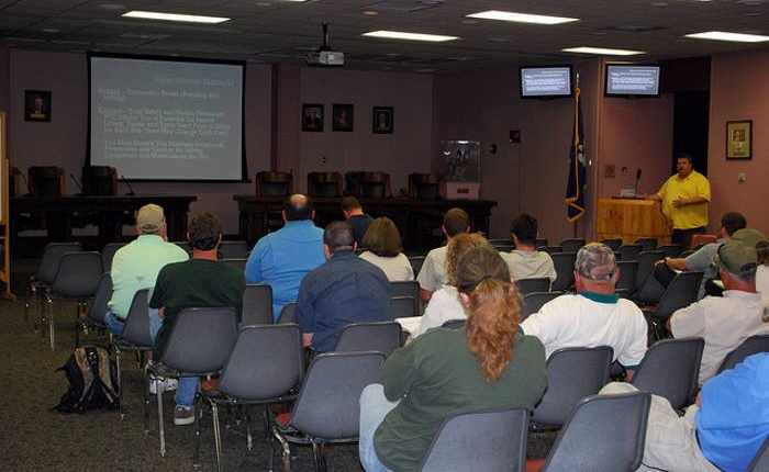 worksafe instructor training employees about workplace safety